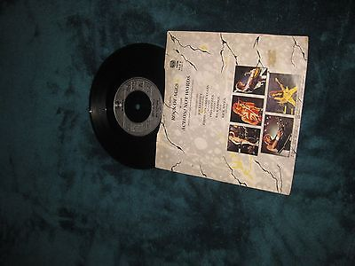 Def-leppard-on-vinyl-45_7186259