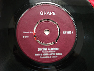 Freddie-note-and-the-rudies-guns-of-navarone-grape-rarity-in-stunning-condition_9988708